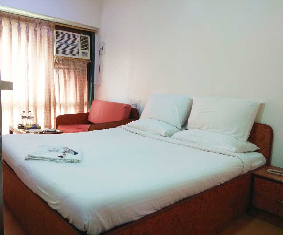 Shared rooms in Vile Parle East, Mumbai - Say No to PG Accommodation