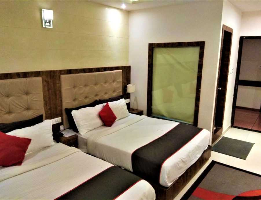Shared rooms in Bandra East, Mumbai - Say No to PG Accommodation