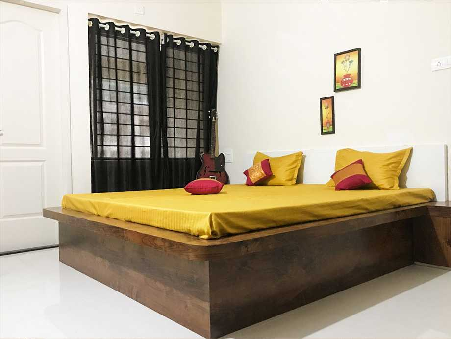 Shared rooms in Magarpatta, Pune - Say No to PG Accommodation